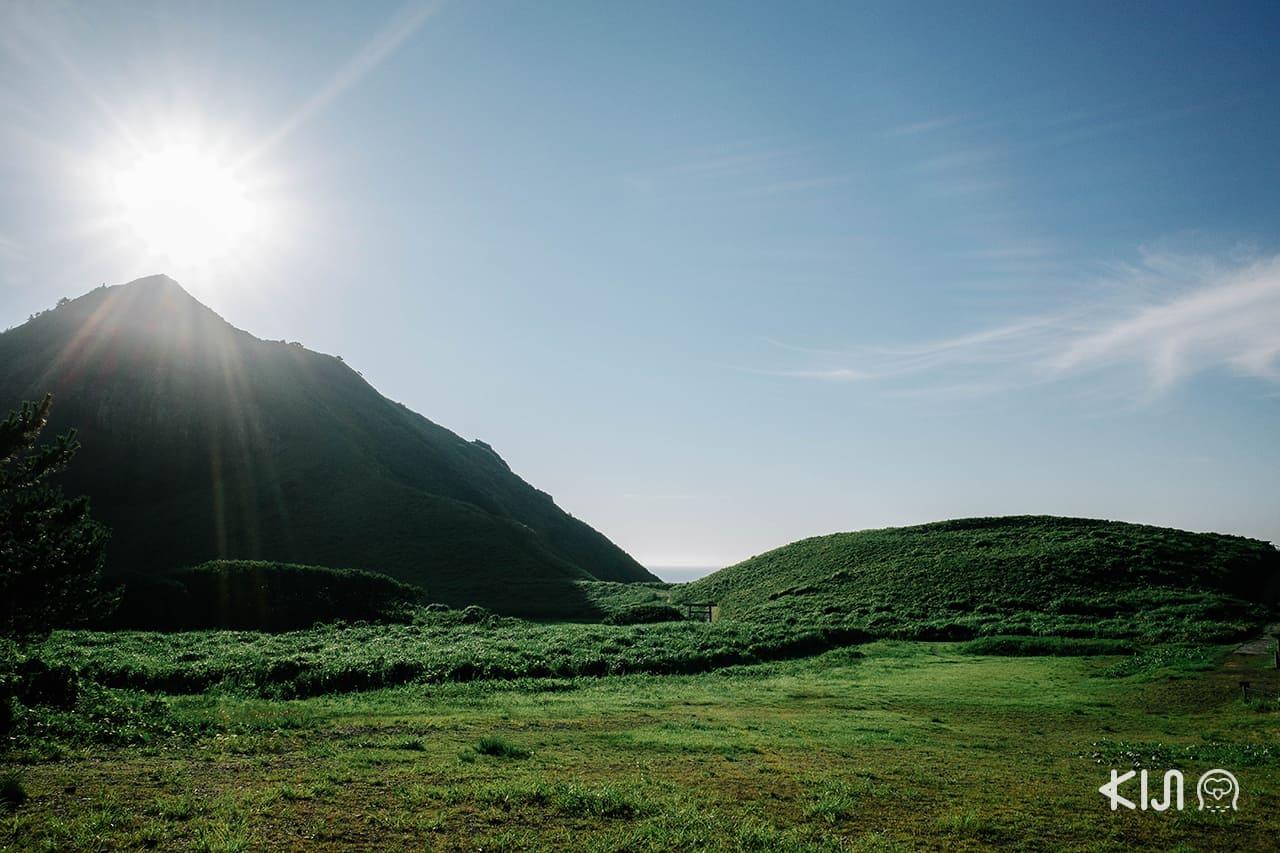 ภูเขาโอโนกาเมะ (Onogame) ตั้งอยู่ทางตอนเหนือของ เกาะซาโดะ