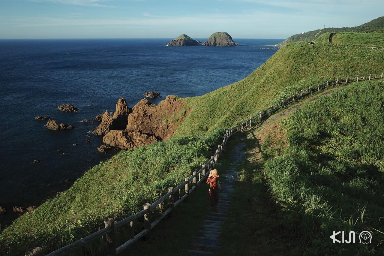 เส้นทางลัดเลาะริมทะเลและภูเขาโอโนกาเมะ (Onogame) เกาะซาโดะ (Sado Island)