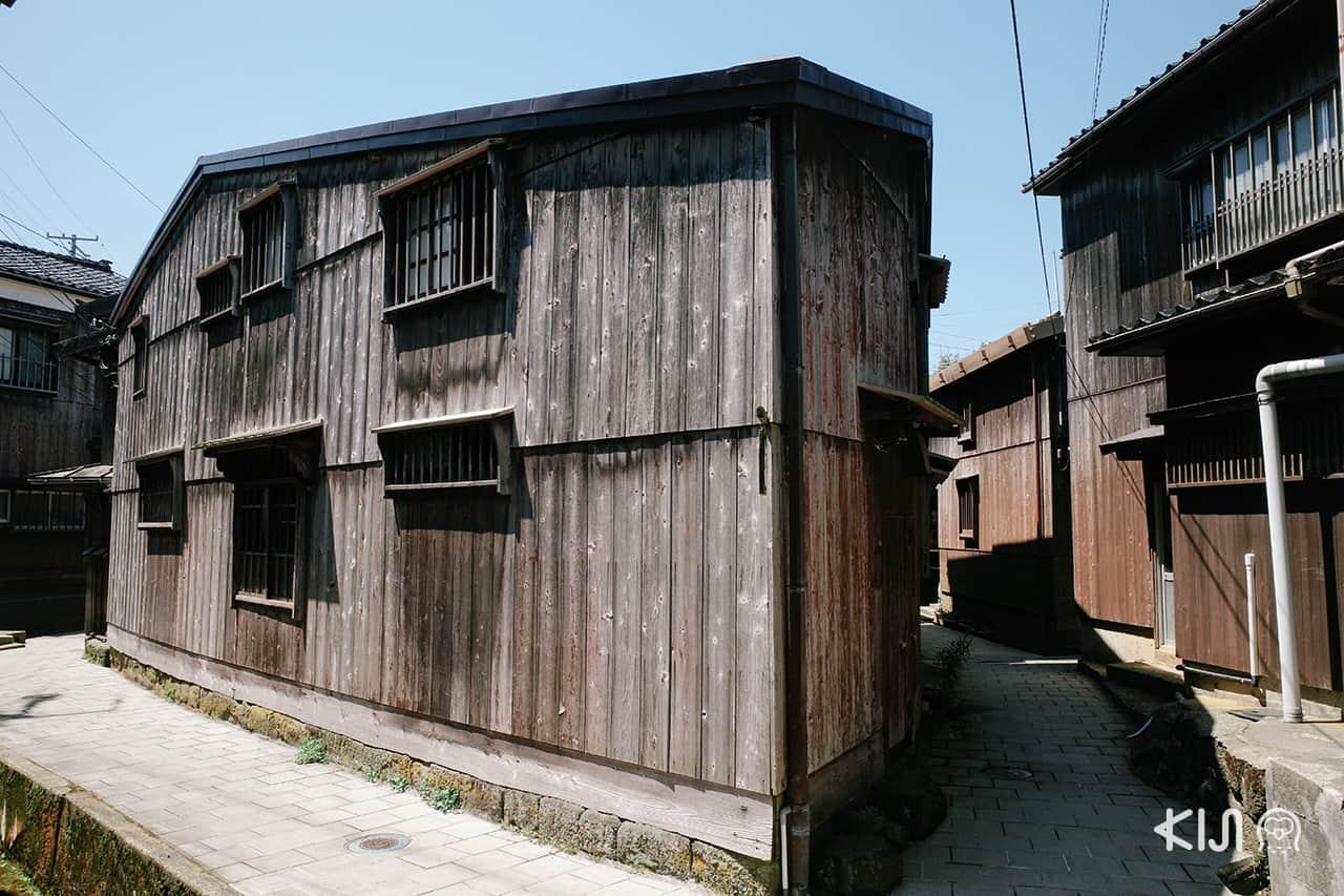 Shukunegi Village บ้านเรือนดีไซน์สะดุดตาของหมู่บ้านชุคุเนะงิในยุคเอโดะ เกาะซาโดะ (Sado Island)
