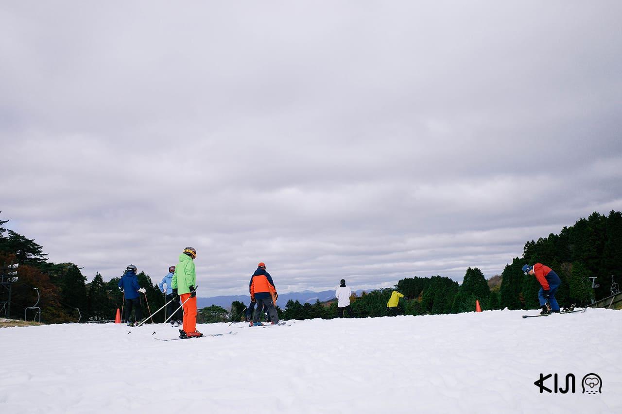Mt. Rokko Snow Park เปิดให้เข้าใช้บริการในช่วงประมาณเดือนพฤศจิกายนถึงมีนาคมของทุกปี