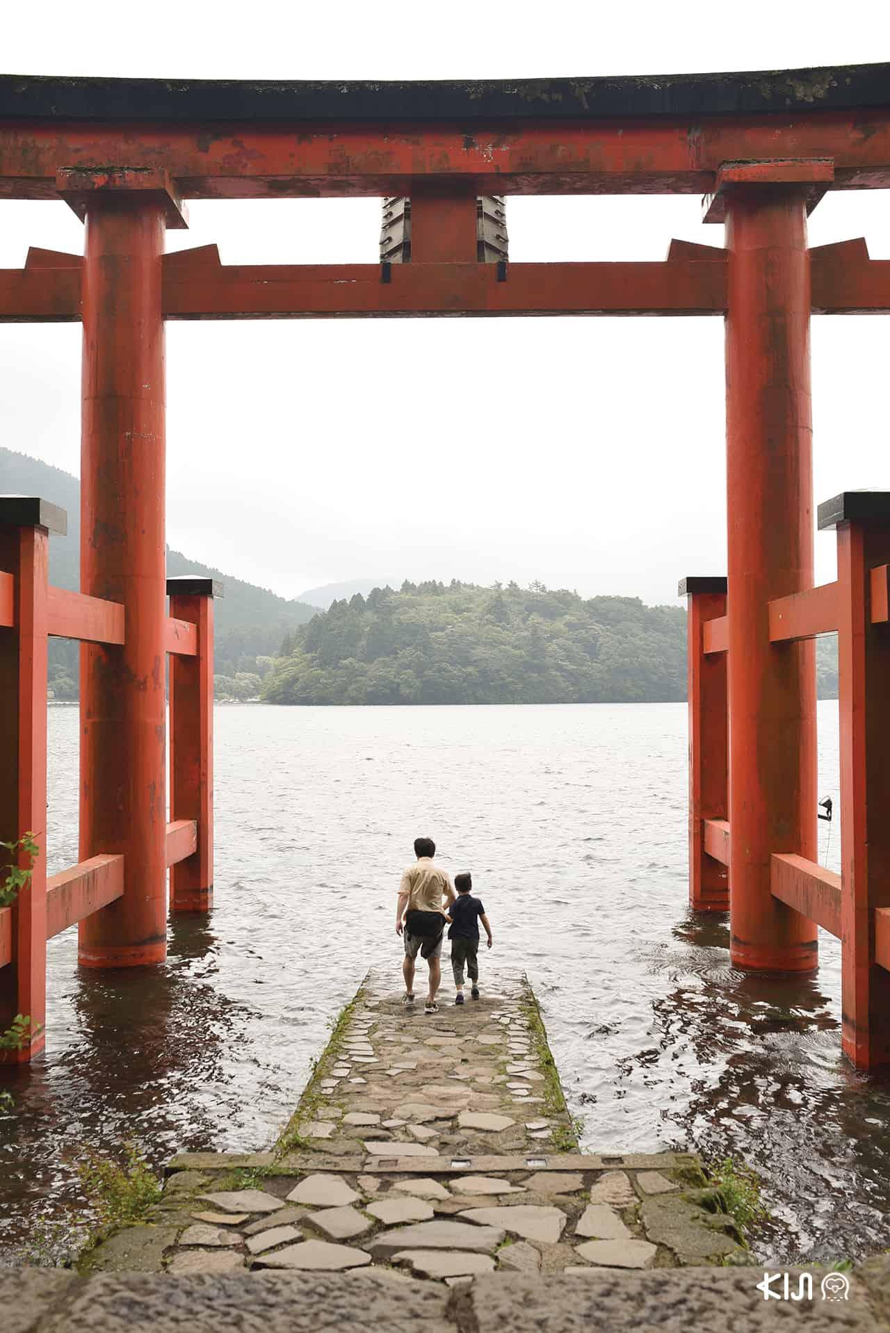 มาถึงแล้วอย่าลืมแวะไหว้พระ Hakone Shrine ที่เที่ยวฮาโกเน่ ต้องมา!