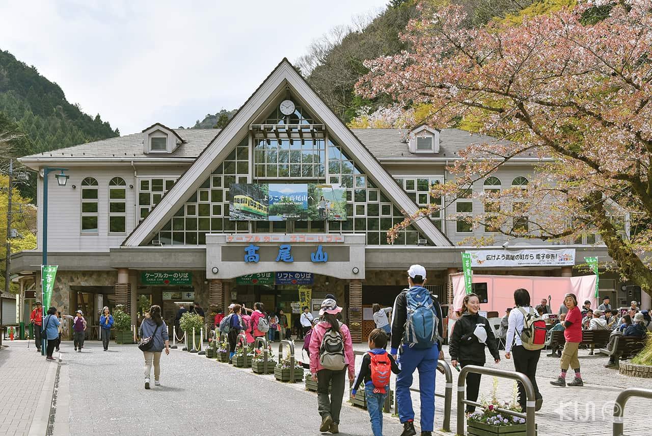 ภูเขาทาคาโอะ (Mt.Takao) นับว่าเป็นสถานที่พักผ่อนหย่อนใจของคนเมืองในโตเกียวได้ดีทีเดียว
