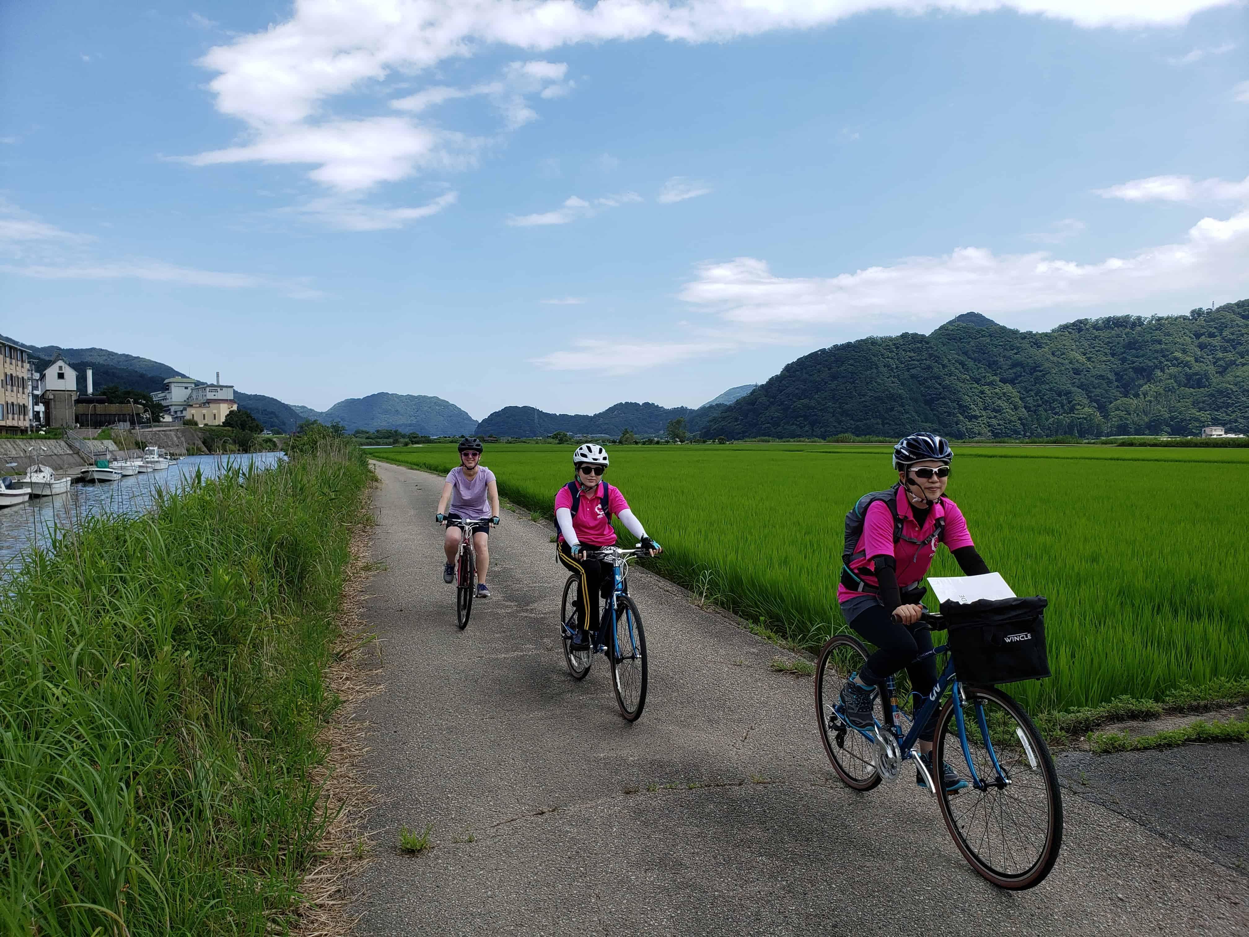 ปั่นจักรยาน ชมวิถีชีวิตและวิวธรรมชาติอันอุดมสมบูรณ์ที่ คิโนะซากิออนเซ็น