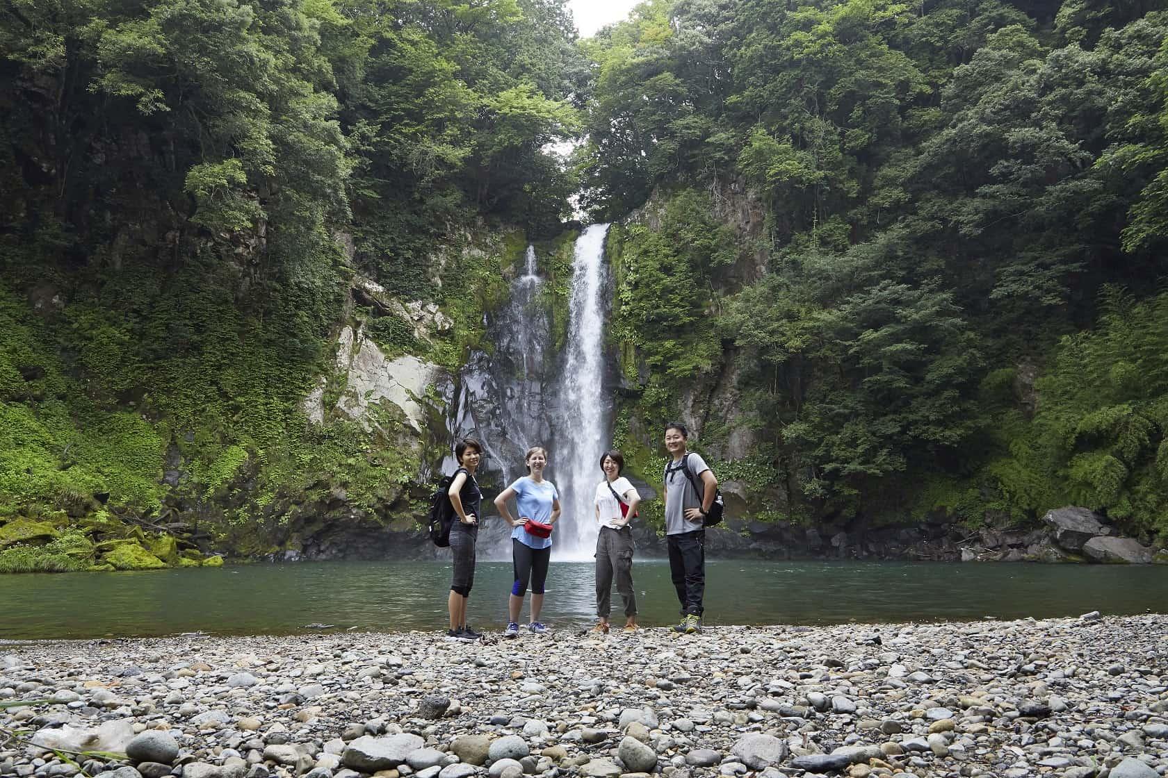 น้ำตกฮัตตัน (Hattan Falls) สถานที่พักผ่อนหย่อนใจใน คิโนะซากิออนเซ็น ของเหล่านัก ปั่นจักรยาน