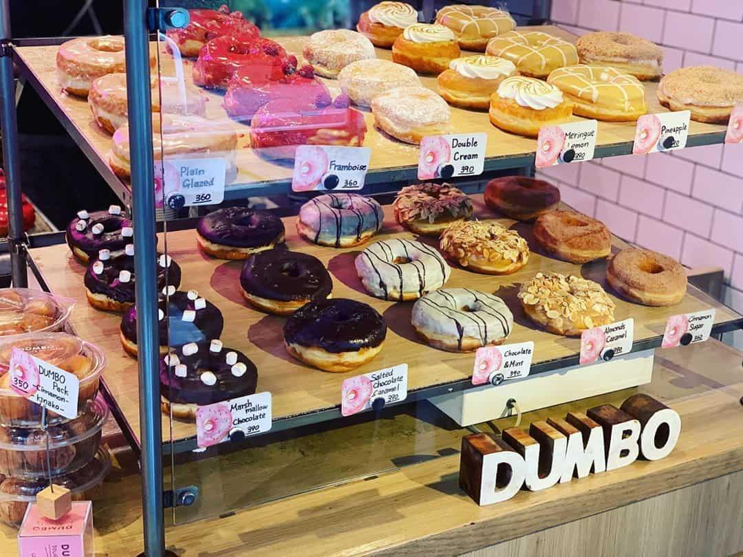 เมนูโดนัทของร้าน Dumbo Doughnuts and Coffee