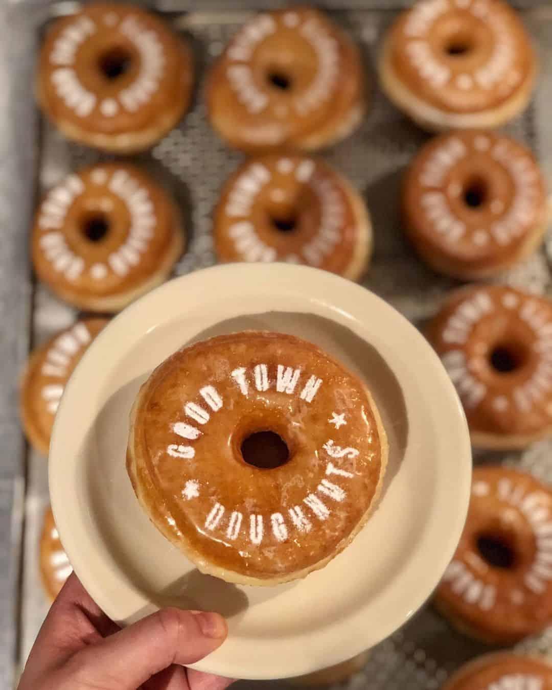 เมนูโดนัทของร้าน Good Town Doughnuts and Coffee