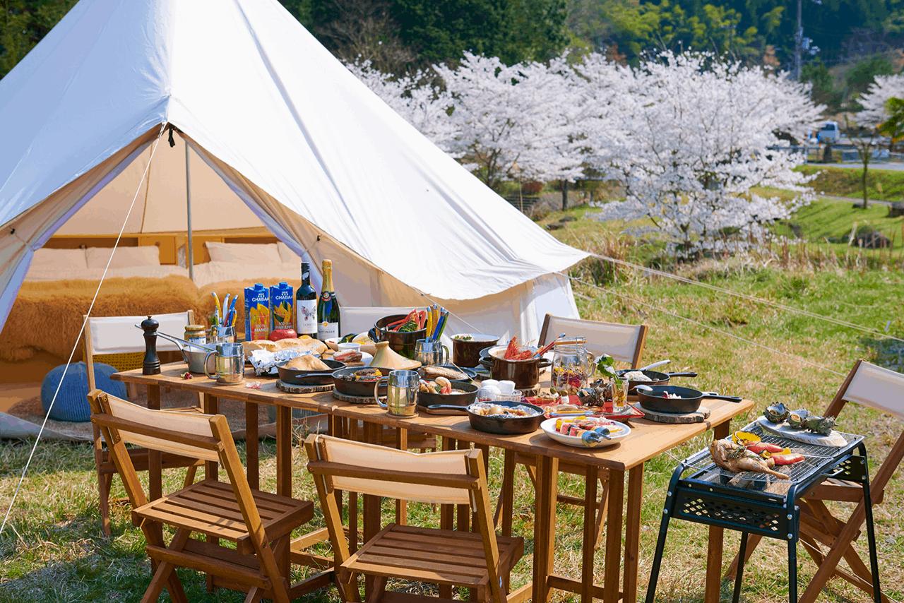 Ongaku no Mori : River View Deck Tent เต็นท์ที่มีระเบียงชมให้วิวเเม่น้ำ
