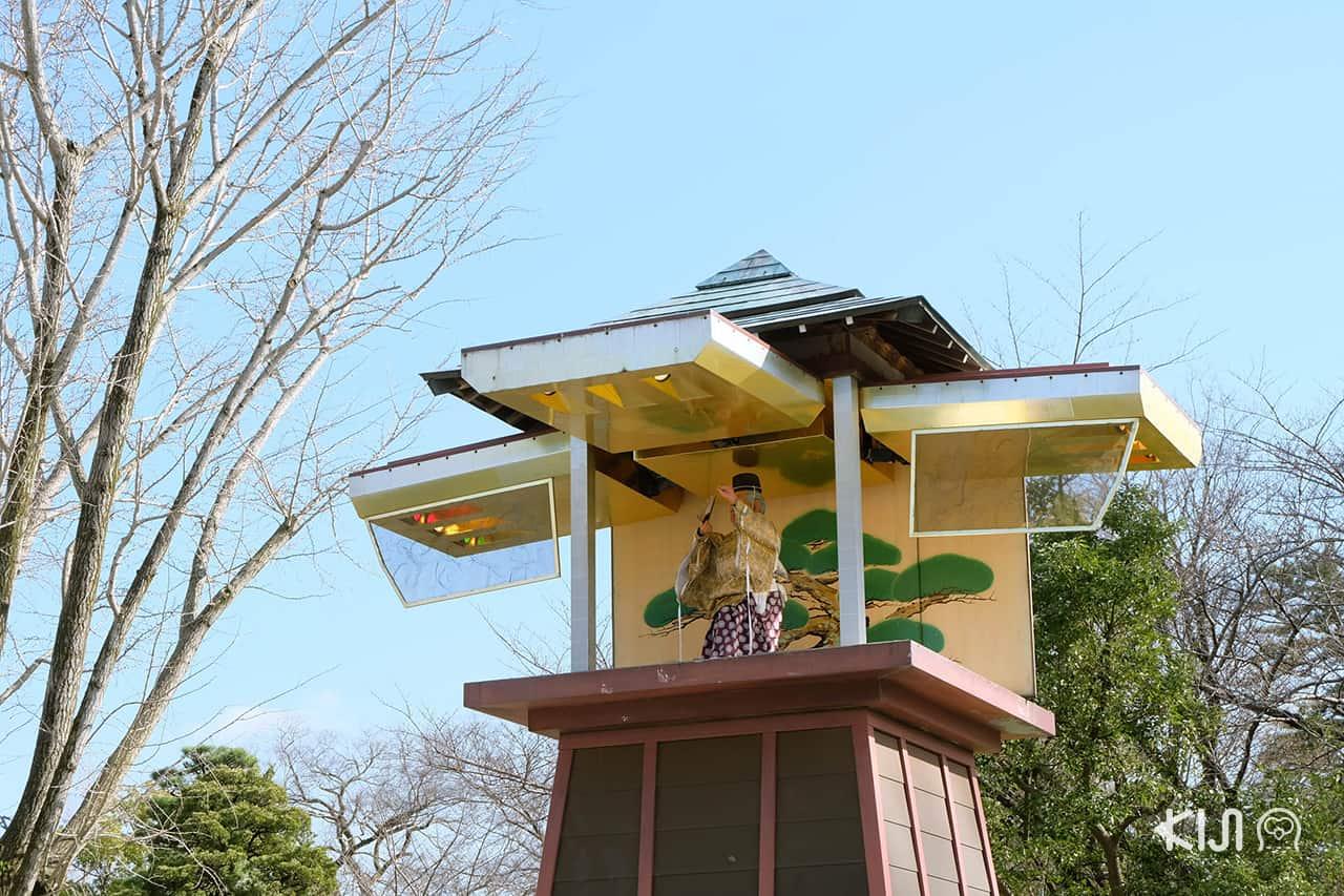 หอนาฬิกาคาราคุริ จุดเด่นของปราสาทโอคาซากิ