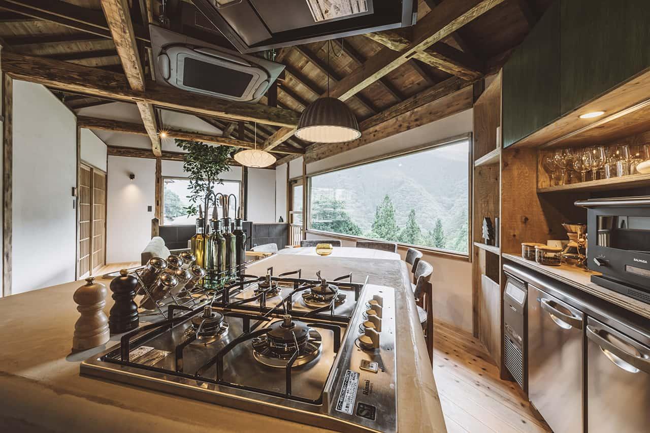 บรรยากาศภายในห้องครัว NIPPONIA Kosuge Village