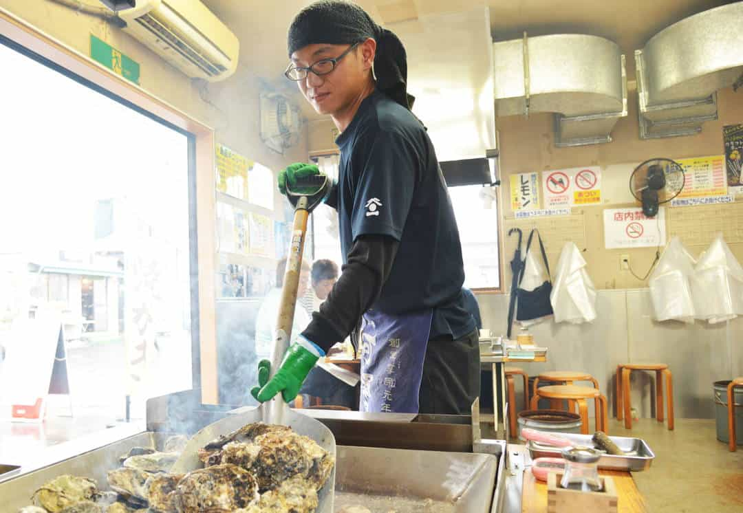 Yakigaki House บุฟเฟ่ต์หอยนางรม ชื่อดังในเมือง มัตสึชิมะ