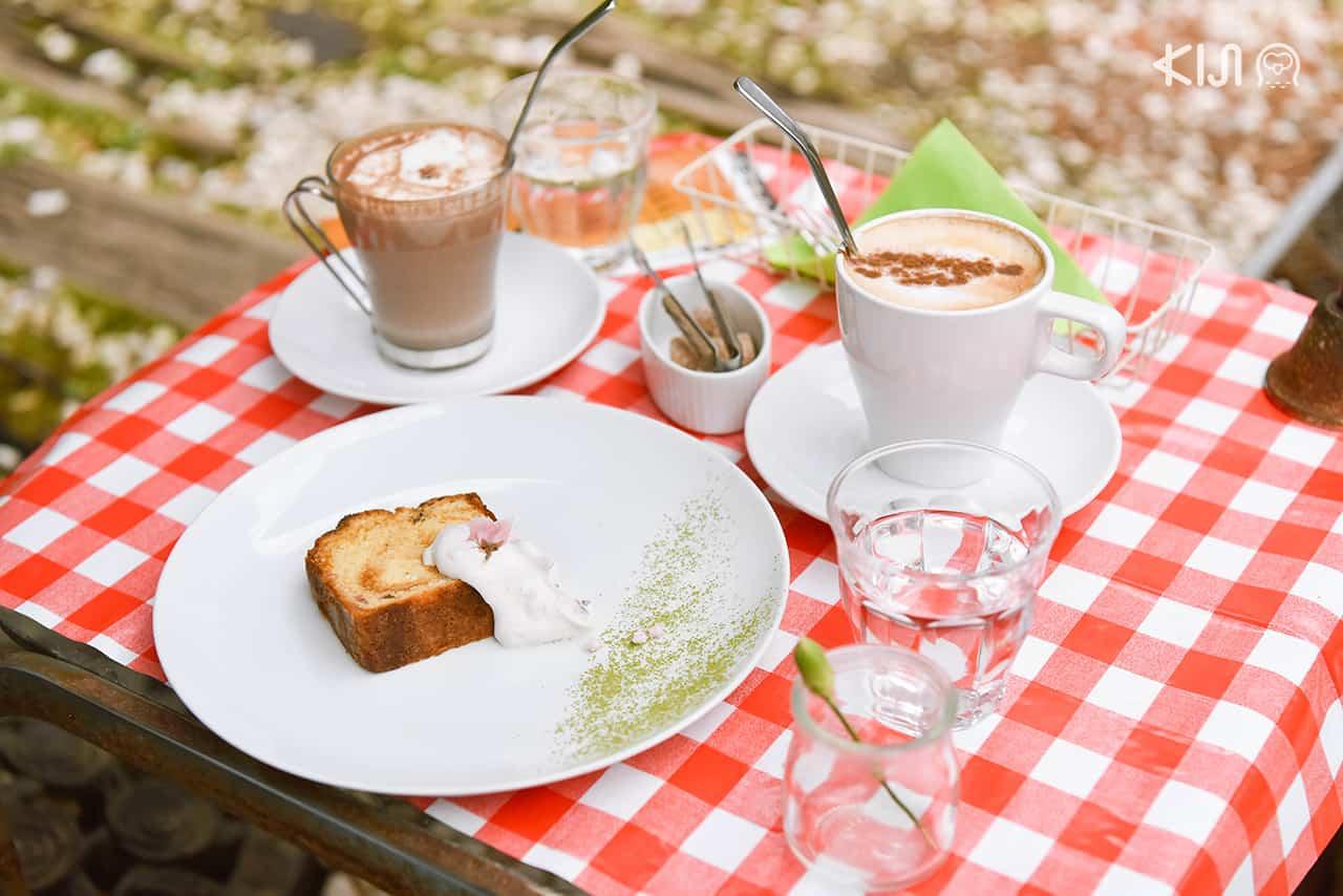 Hakone Museum of Photography : เมนูขนมหวานและเครื่องดื่มภายในคาเฟ่ Cafe Plaisir de l'oeuf