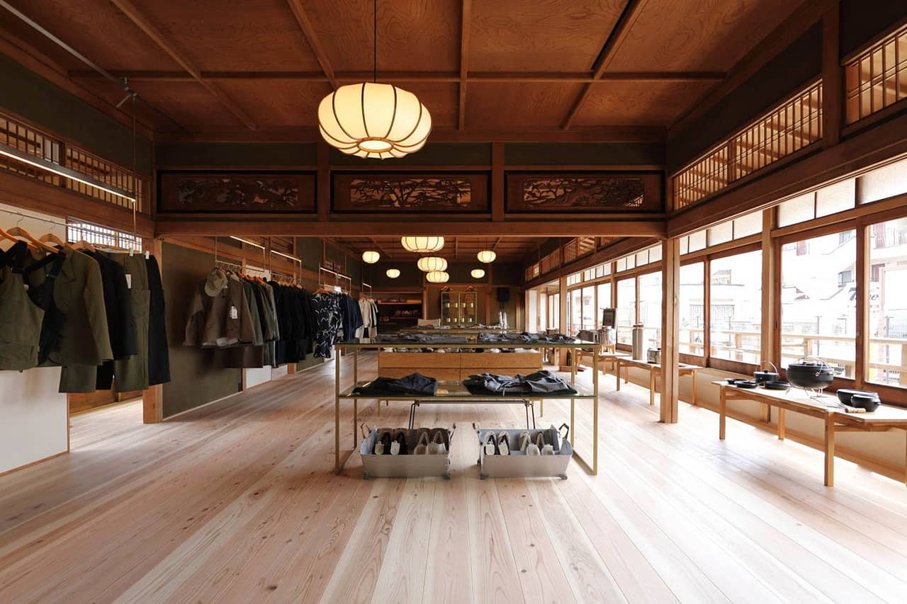 Snow Peak LAND STATION KYOTO ARASHIYAMA - บรรยากาศภายในร้าน