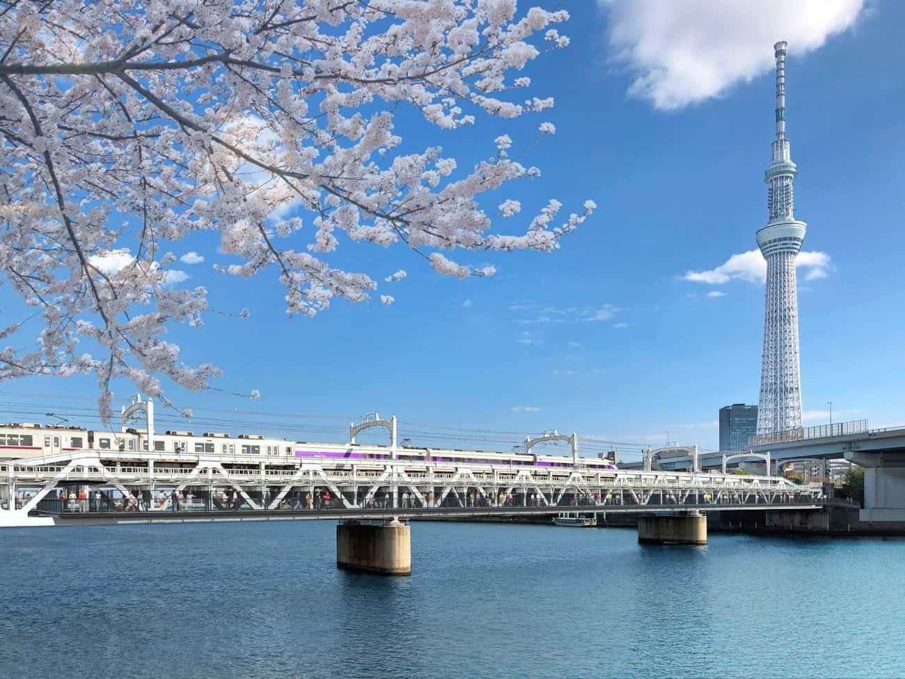 TOKYO Mizumachi ตั้งอยู่เลียบแม่น้ำสุมิดะ (Sumida River) ในกรุงโตเกียว