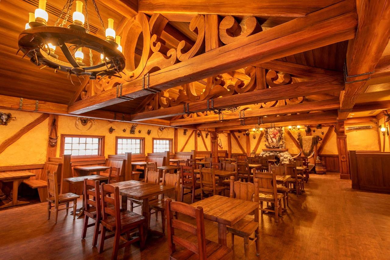 La Taverne de Gaston ร้านอาหารที่ได้รับแรงบันดาลใจจากโรงเหล้าของแกสตอง Beauty and the Beast