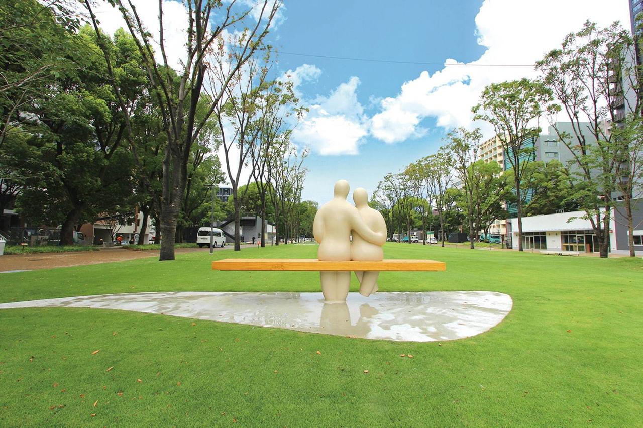 โซนสนามหญ้าที่ RAYARD Hisaya-odori Park