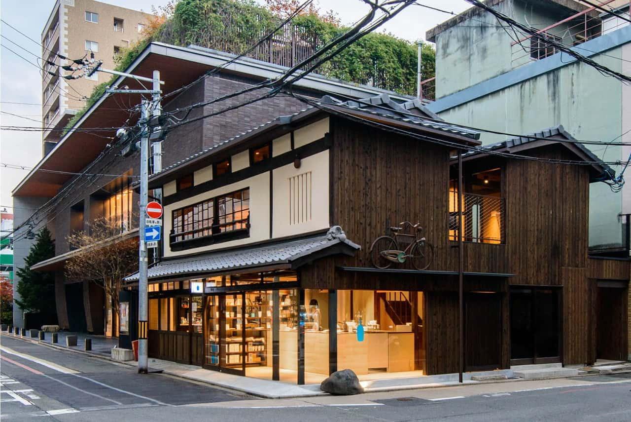 Blue Bottle Coffee Kyoto Rokkaku ในบ้านไม้โบราณแบบเกียวมาจิยะ จ.เกียวโต