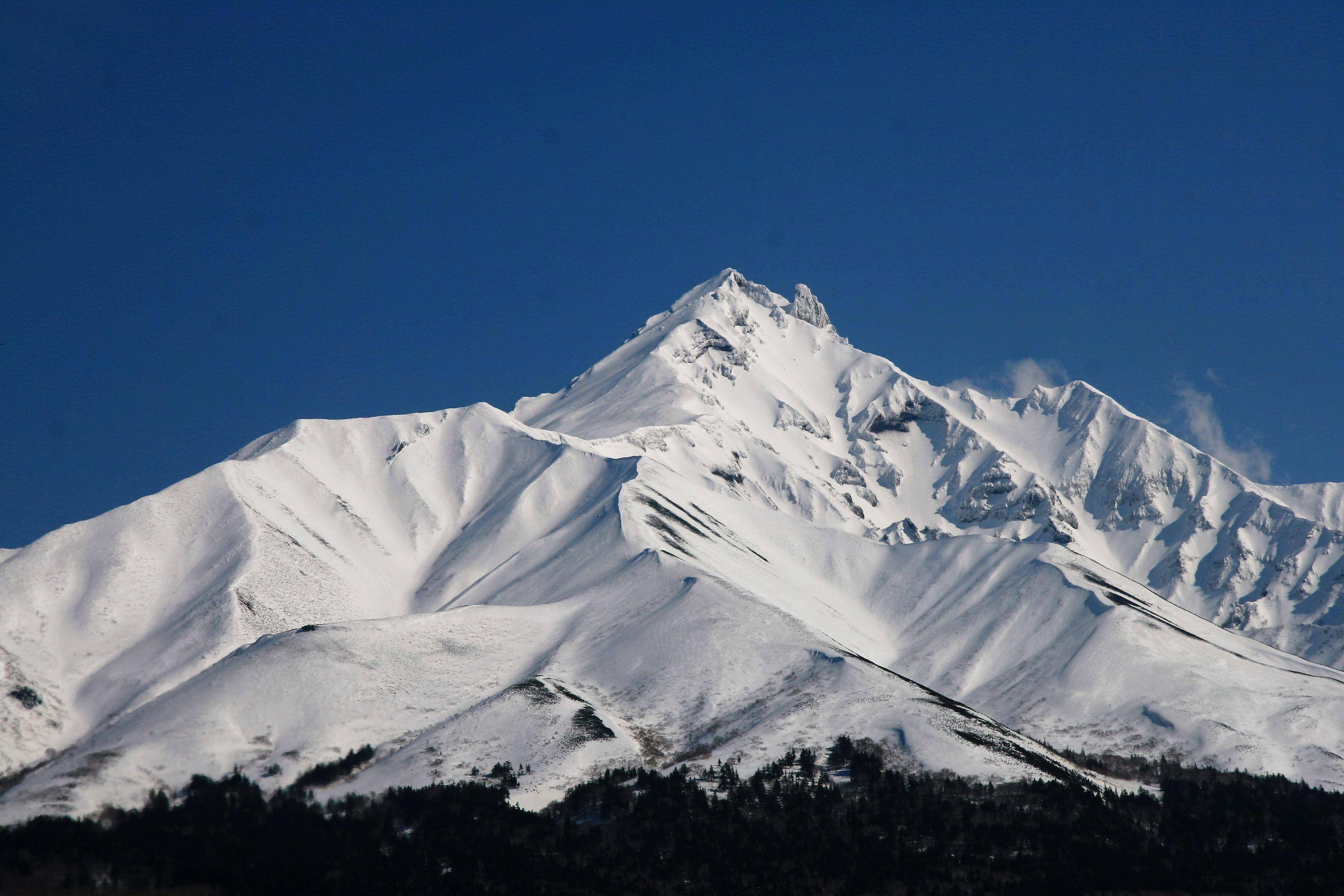ภูเขา ใน ญี่ปุ่น โดดเด่นไปด้วยความยิ่งใหญ่และธรรมชาติที่สวยงาม
