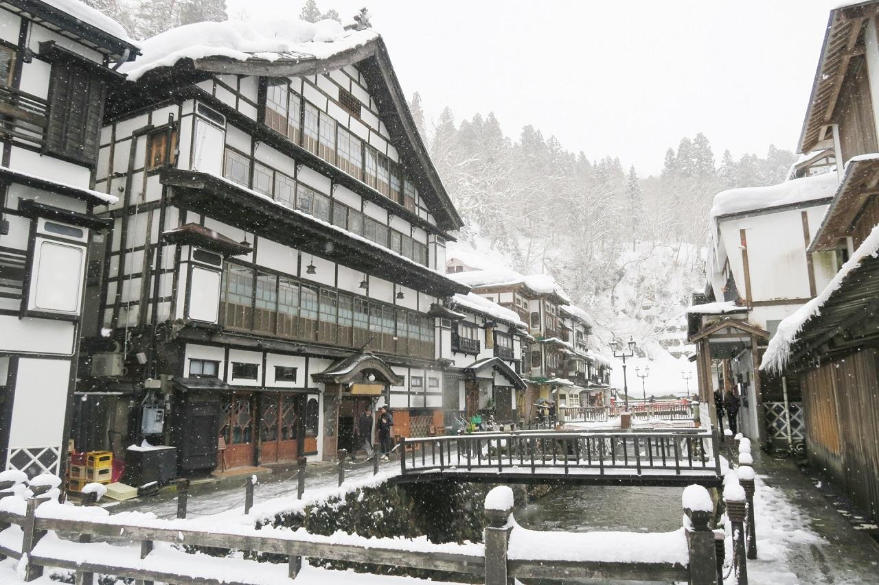 ไปเที่ยว Ginzan Onsen ใน ฤดูหนาว กับ JR East โทโฮคุ