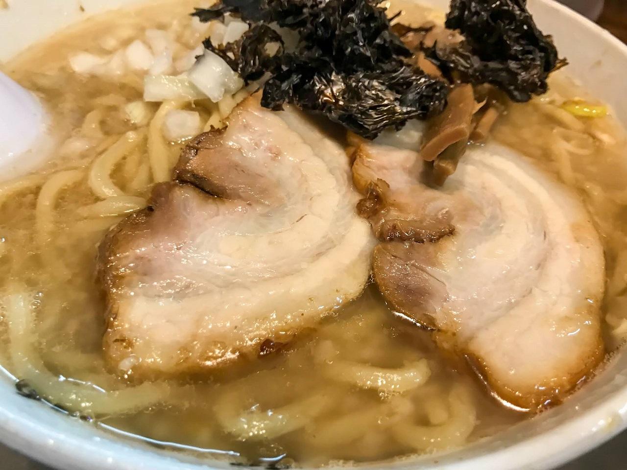 อาหารพื้นบ้าน อาหารท้องถิ่น จ.นีงาตะ - ราเมนมันหมูสึบาเมะซันโจ (Tsubame Sanjo Seabura Ramen) เมืองสึบาเมะ (Tsubame)