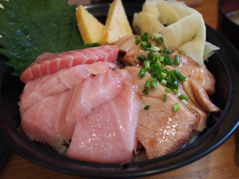 อาหาร ชิซูโอกะ : ข้าวหน้าโอโทโร่ (Otoro Don)