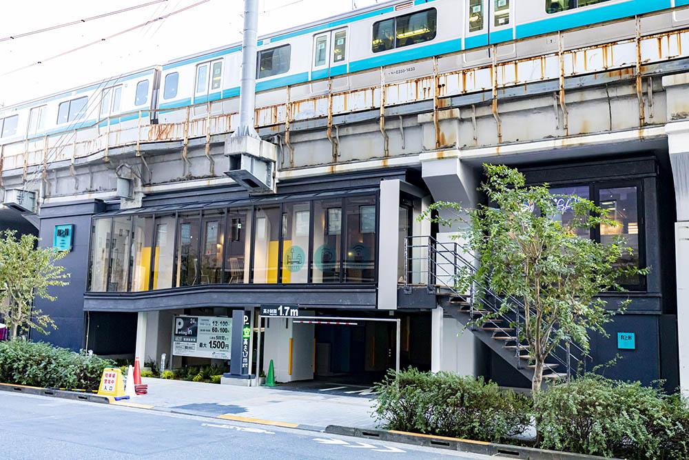 Under Railway Hotel Akihabara : โรงแรมใต้ทางรถไฟในโตเกียว