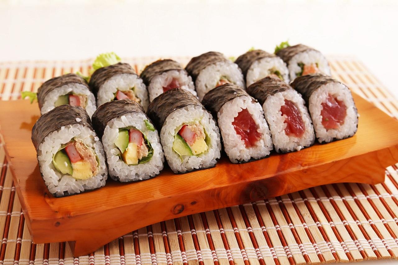 อาหารพื้นเมือง จ.ชิบะ (Chiba) - ฟุโตมากิซูชิ (Futomaki-zushi / Futomaki Sushi)