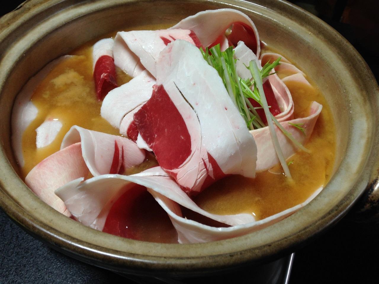 อาหารท้องถิ่น จ. อิบารากิ (Ibaraki) - ชิชินาเบะ (Shishi Nabe)