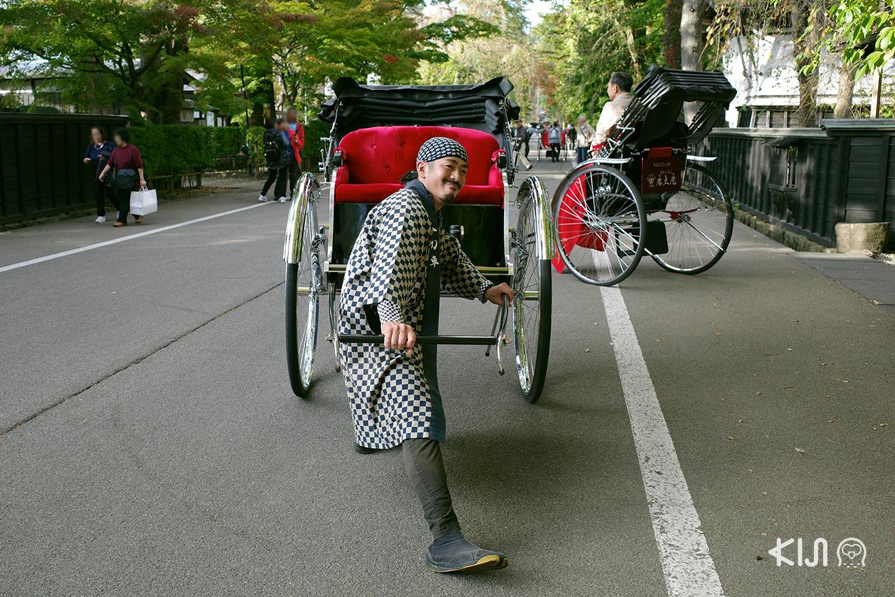 เที่ยว โทโฮคุ ช่วง ฤดู ใบไม้เปลี่ยนสี : นั่งรถคนลากในเมืองเก่า