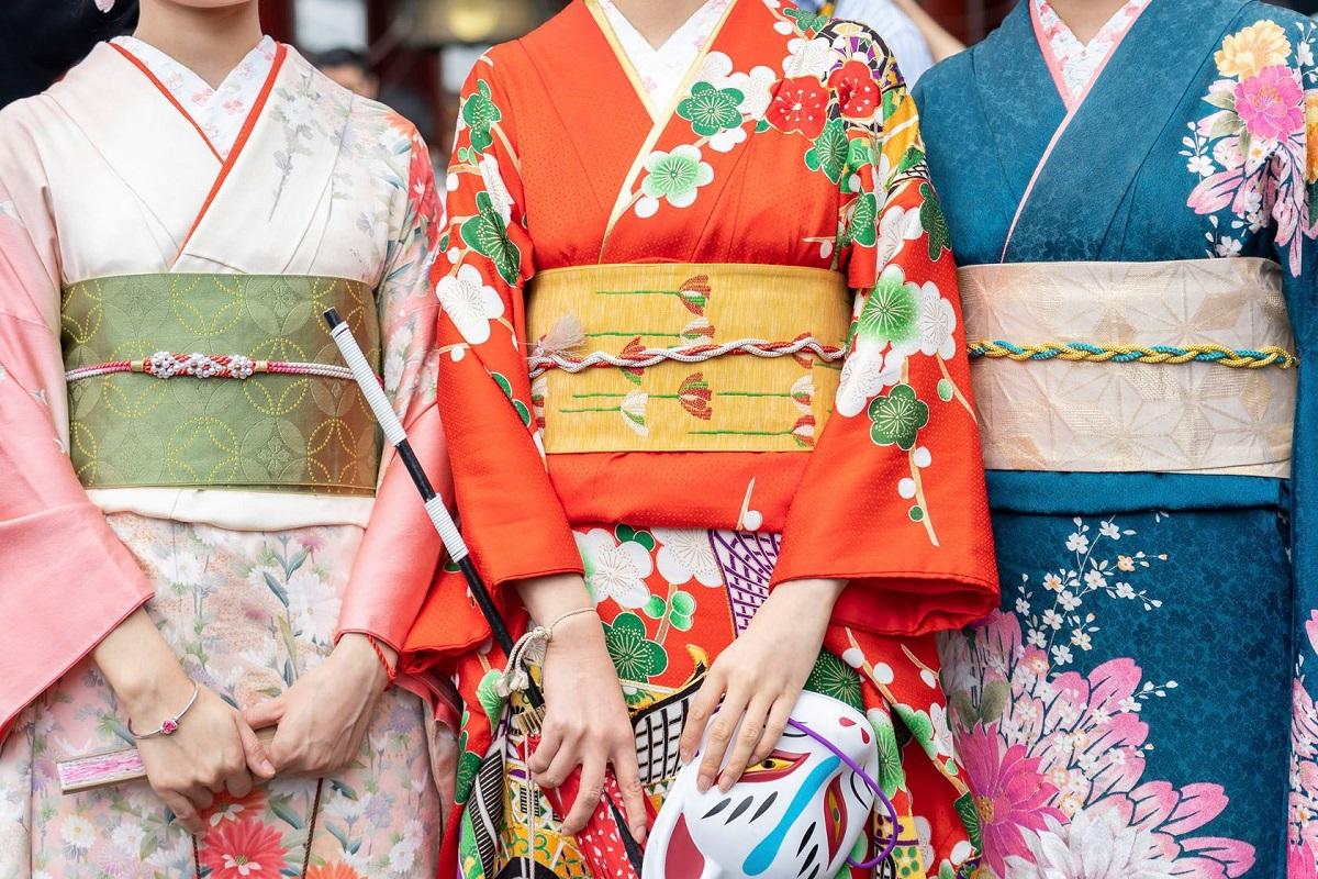 ใส่ชุดกิโมโนเดินชมเมืองเก่าคาวาโกเอะ จ.ไซตามะ ใน ฤดูใบไม้ร่วง