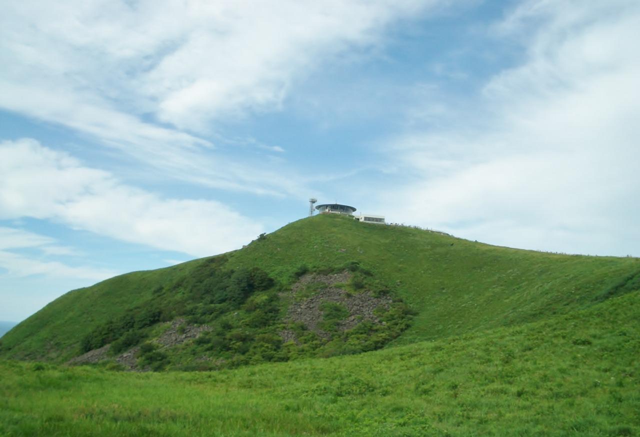 หอคอยสำหรับชมวิวพาโนรามา 360 องศา บนเขาคังปู (Mt. Kanpu)