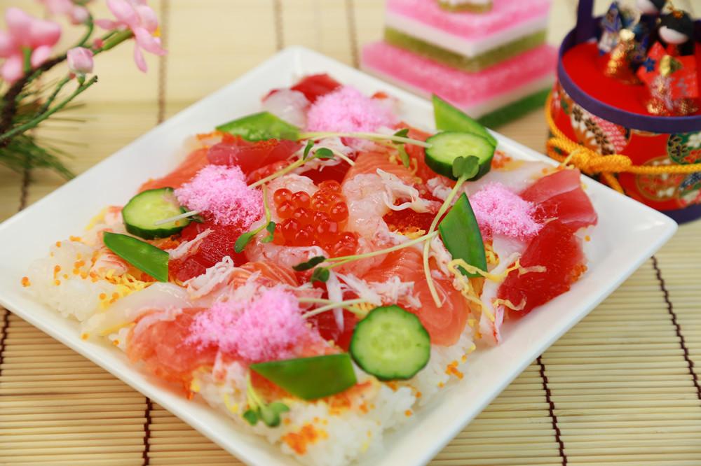 อาหารประจำเทศกาลฮินะมัตสึริ (Hina Matsuri) : จิราชิซูชิ