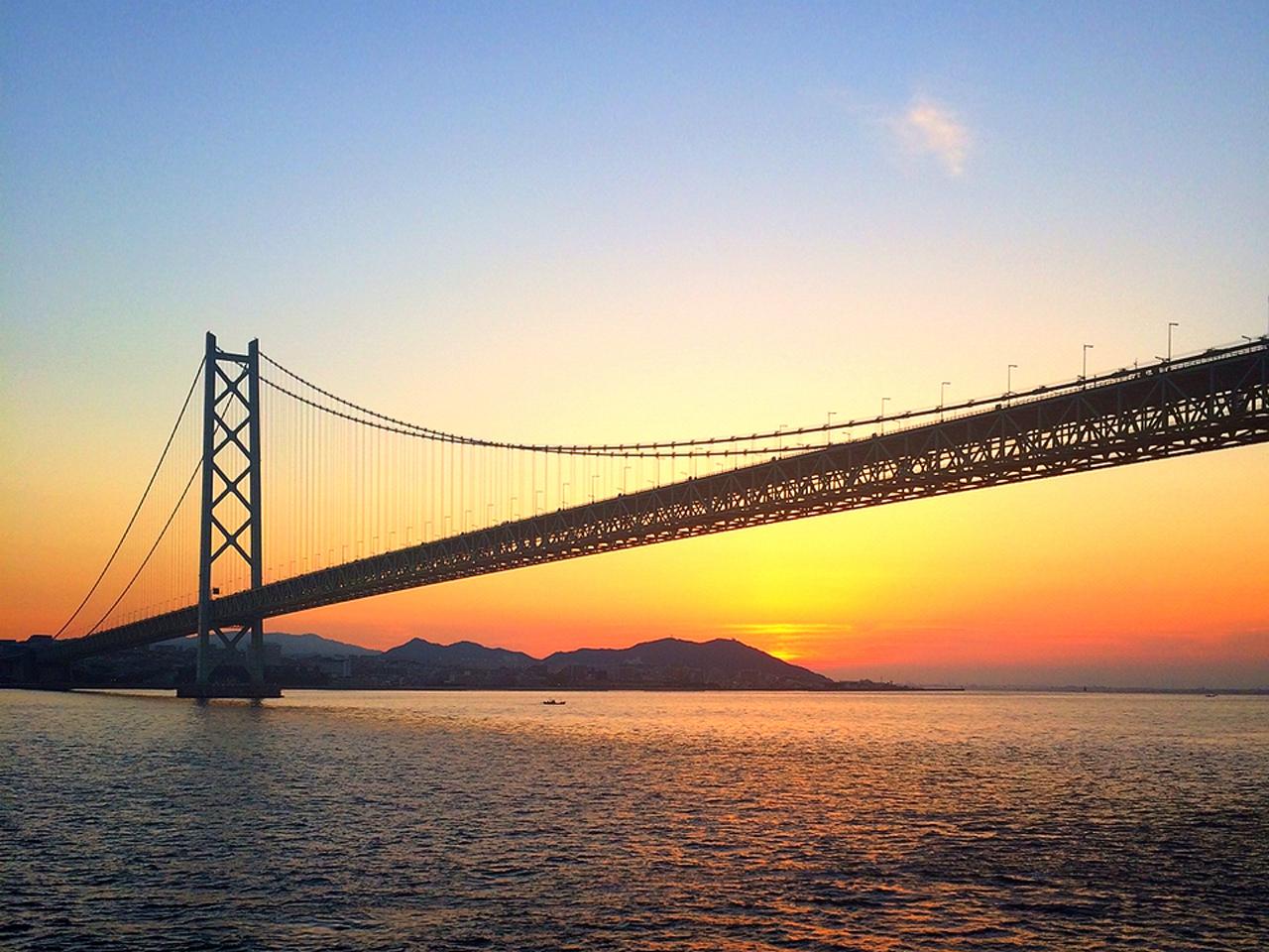 Akashi Kaikyo Bridge จุดชมพระอาทิตย์ขึ้น ใน ญี่ปุ่น