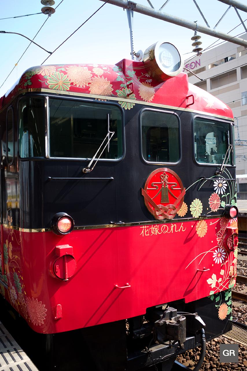 นั่งรถไฟ HANAYOME NOREN เที่ยวคานาซาว่า (Kanazawa)