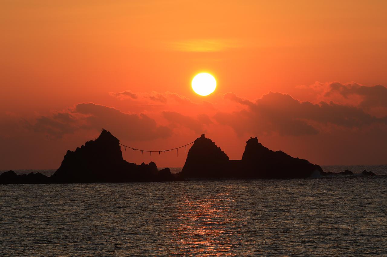 จุดชมพระอาทิตย์ขึ้น ใน ญี่ปุ่น : แหลมมานะซุรุ (Manazuru)