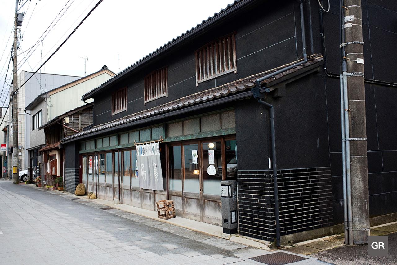 เดินเที่ยวย่านร้านค้าใน Nanao