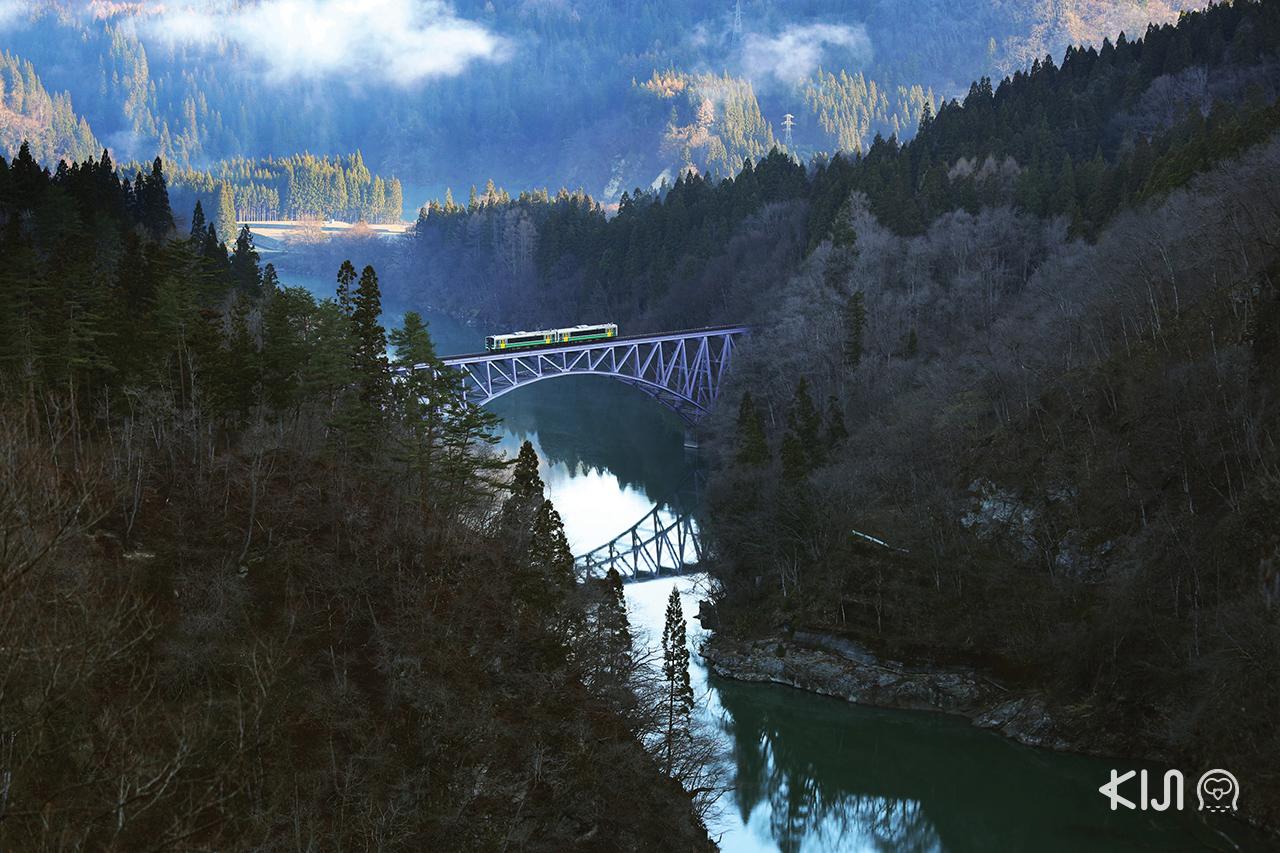 จุดชมวิว จ.ฟุกุชิมะ (Fukushima) - No.1 Tadami River Bridge Viewpoint
