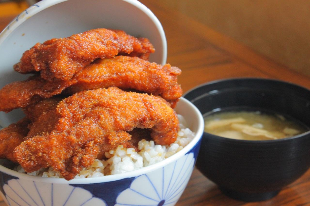 อาหาร จ.ฟุกุอิ (Fukui) - Sauce Katsu Don
