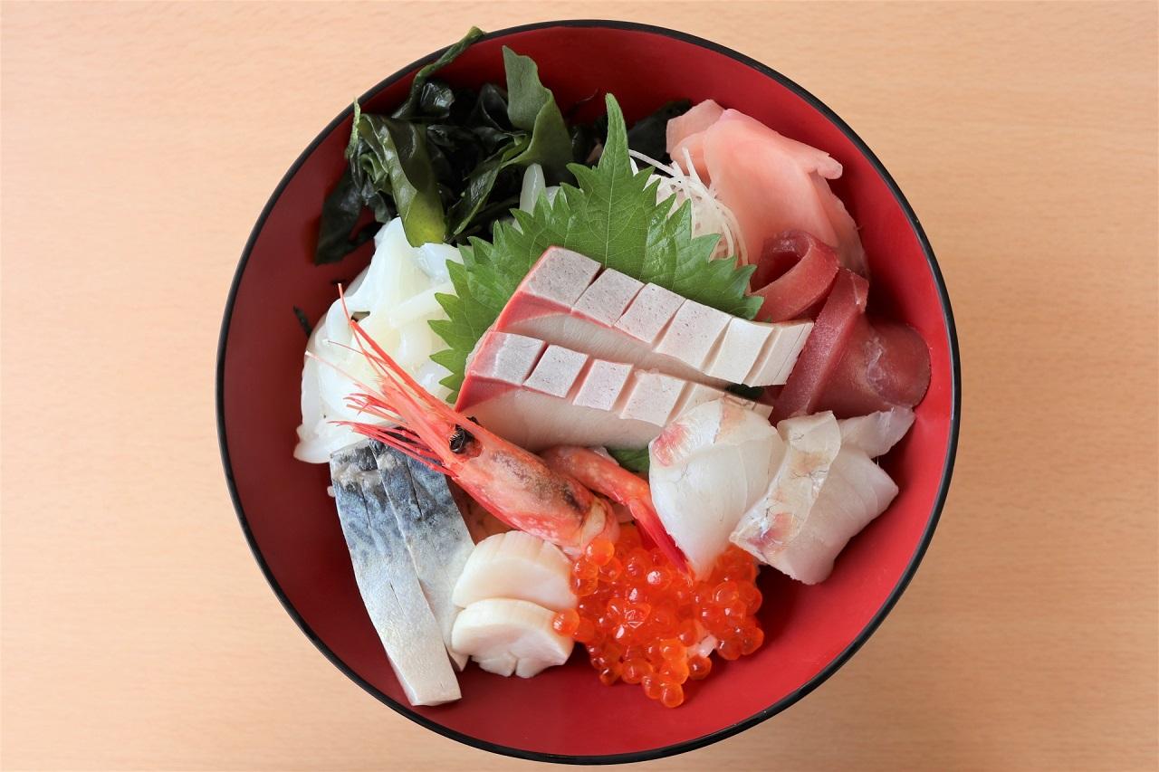 อาหารท้องถิ่นในจังหวัดฟุกุอิ (Fukui) - Kaisendon