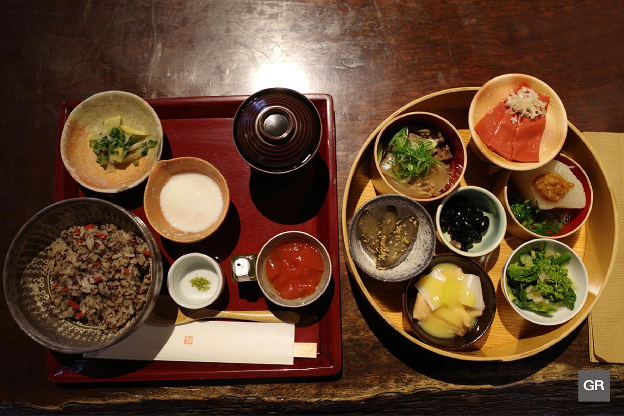 คอนยักคุ (Konnyaku) เมนูมื้อเที่ยงก่อนไป Club Harie เมือง Omihachiman