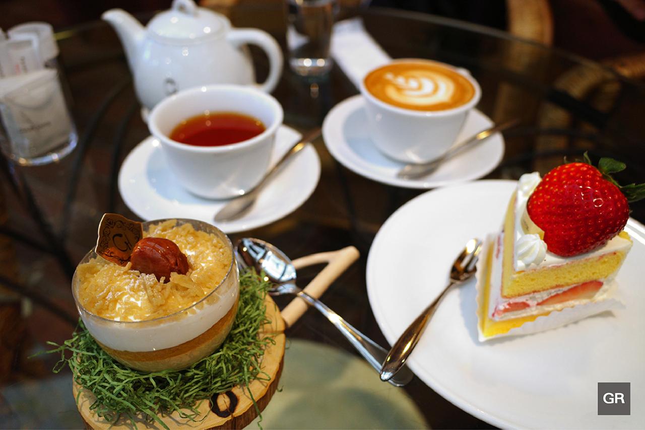 ขนมหวานและเครื่องดื่มจาก Club Harie สาขาในเมืองโอมิฮาจิมัง (Omihachiman)