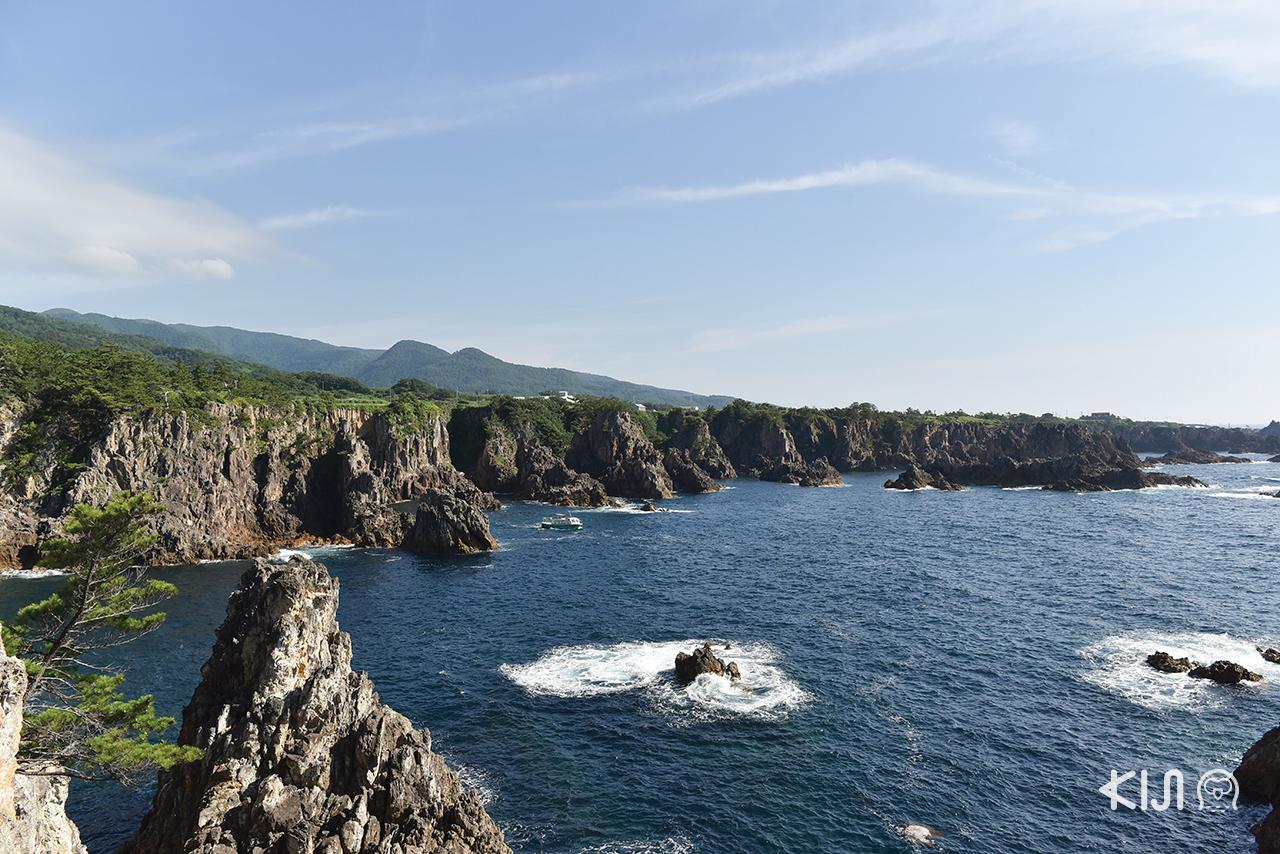 ชมวิวทะเลสวยๆ บนเกาะ Sado Island