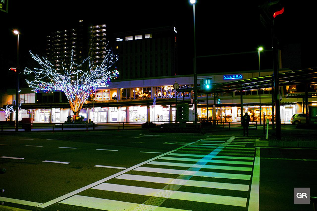 ภาพถ่ายยามค่ำคืนของ ญี่ปุ่น ด้วย กล้อง Ricoh GR