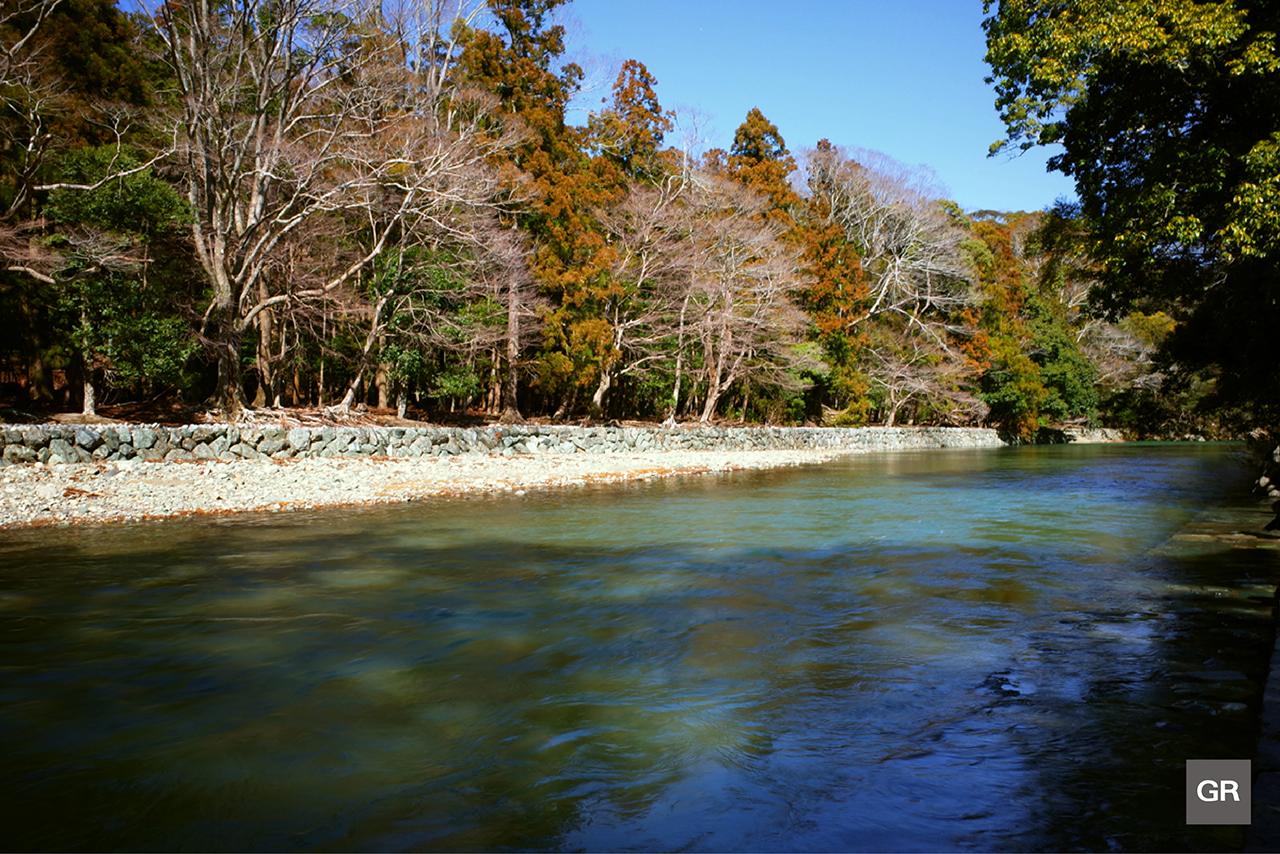 ภาพแม่น้ำอิซุซุ (Isuzu River), ญี่ปุ่น จาก กล้อง Ricoh GR
