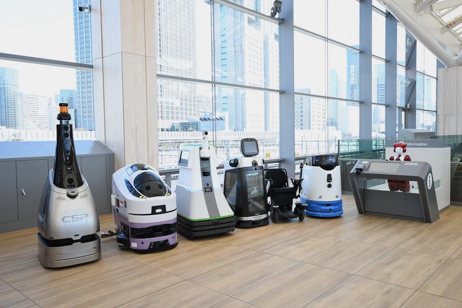 หุ่นยนต์ AI คอยให้บริการรอบๆ Takanawa Gateway Station