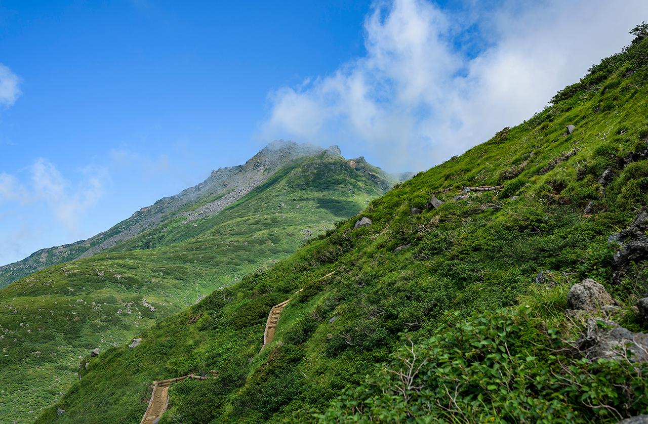 ภูเขาโชไค (Mt. Chokai) จ.ยามากาตะ (Yamagata) เป็นภูเขาที่สูงที่สุดในโทโฮคุ