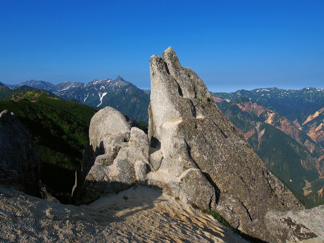 หิน Dolphin Rock ที่ว่ากันว่ามันมีหน้าตาคล้ายกับโลมา