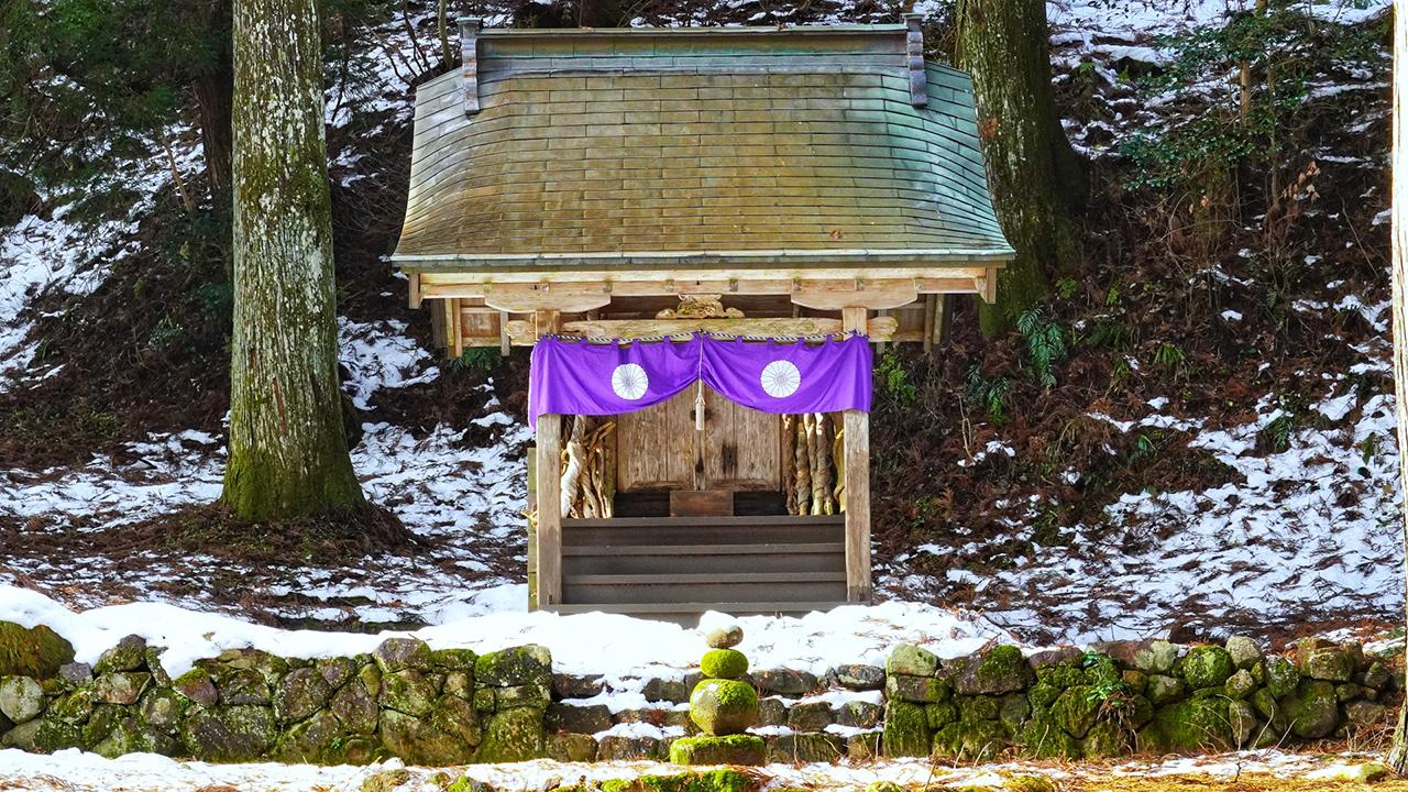 ภูเขาฮาคุ (Mt. Haku) เป็นภูเขาศักดิ์สิทธิ์มาตั้งแต่สมัยโบราณ