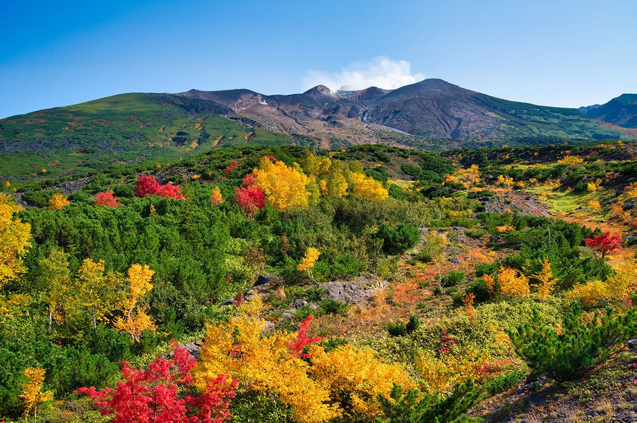 ภูเขาโทคาจิ (Mt. Tokachi) จ.ฮอกไกโด (Hokkaido) ตั้งอยู่ในอุทยานแห่งชาติไดเซ็ตสึซัง (Daisetsuzan National Park)