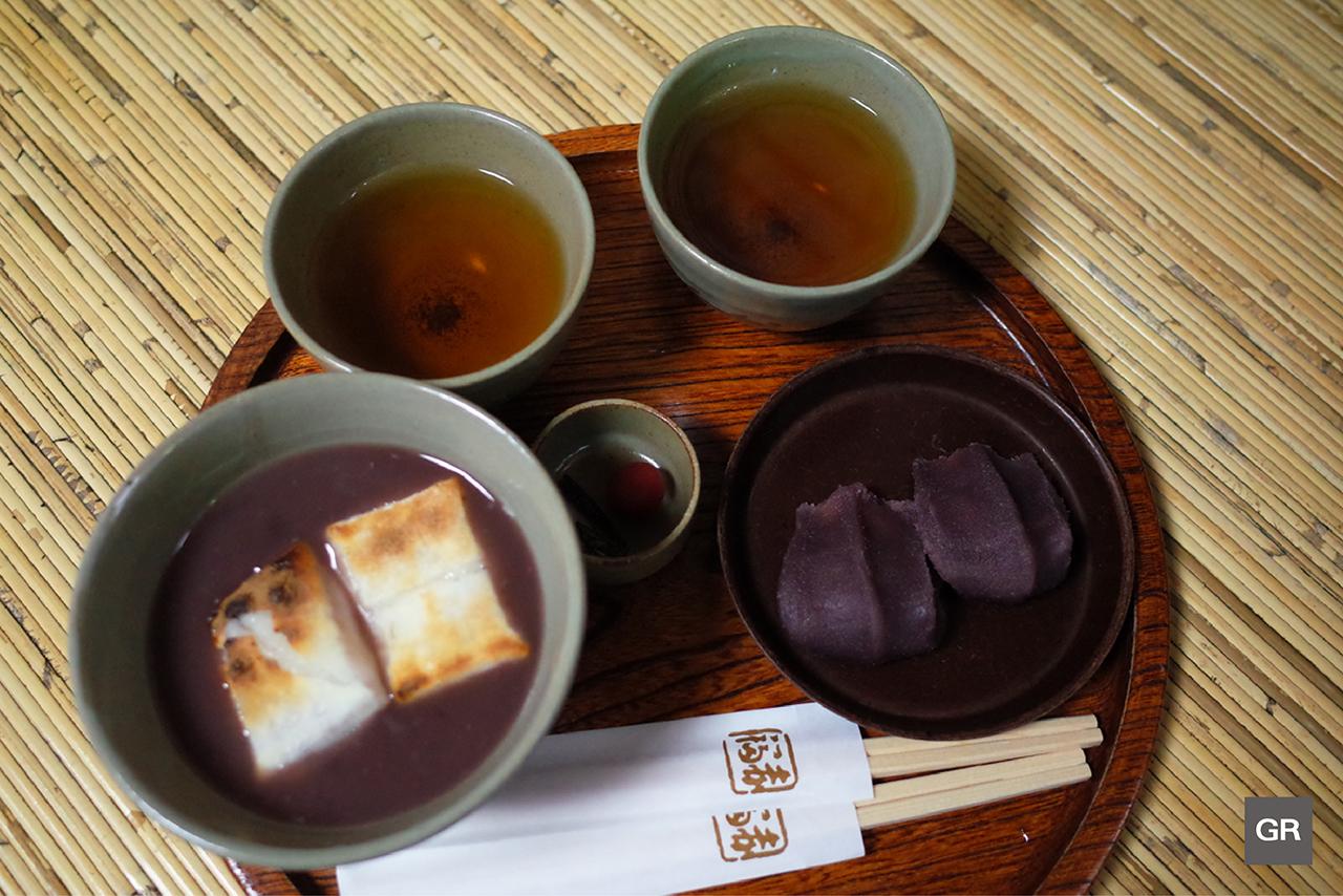Akafuku Mochi กับ Zenzai (ซุปถั่วแดงร้อนกับโมจิย่าง) ของร้าน Akafuku Honten