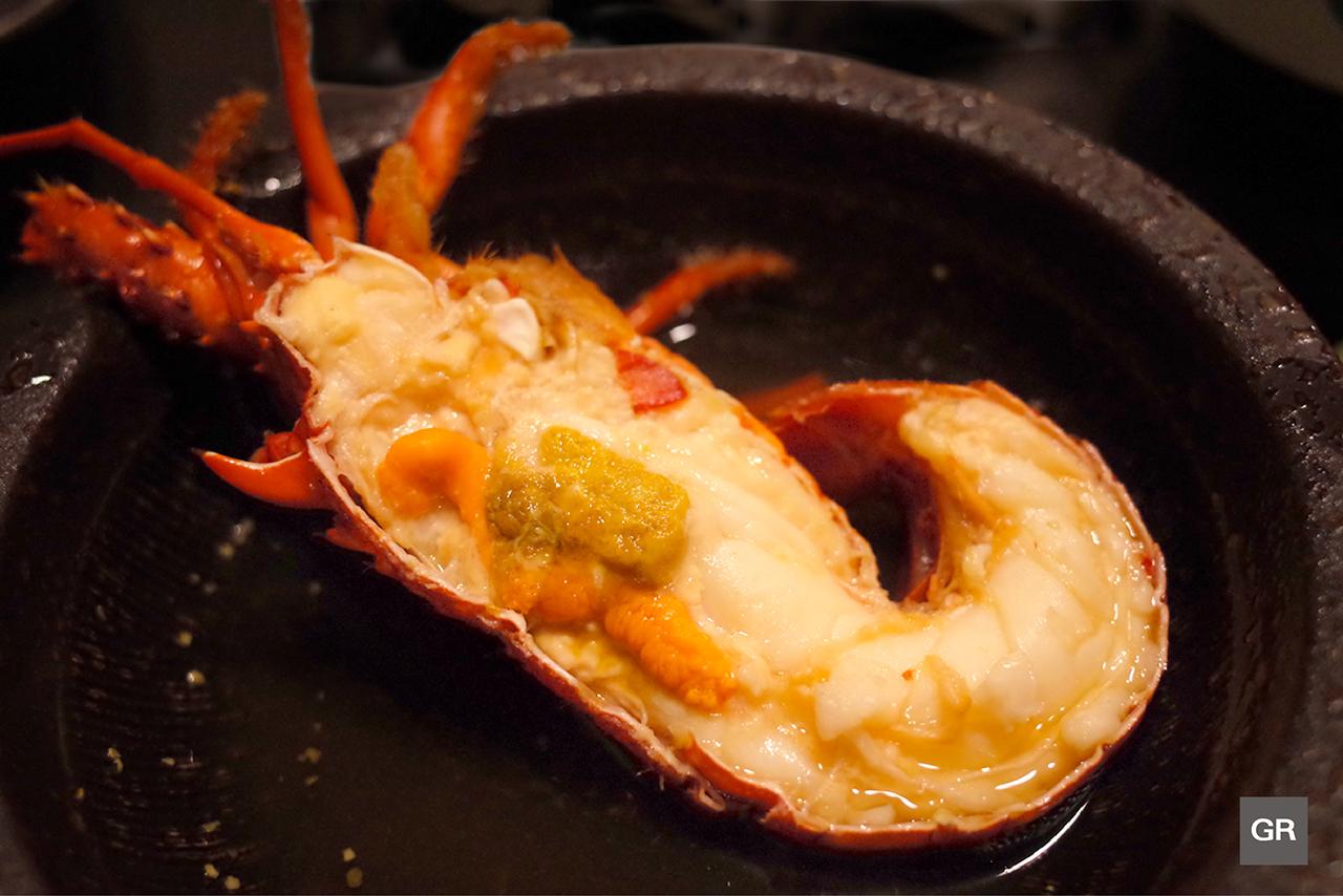กุ้งมังกรอิเสะ (ISE EBI) แบบนึ่งโชยุกับเหล้ามิริน ของร้าน KAGETU